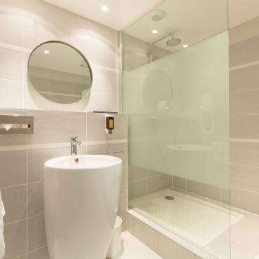 Hôtel Amirauté - Bathroom